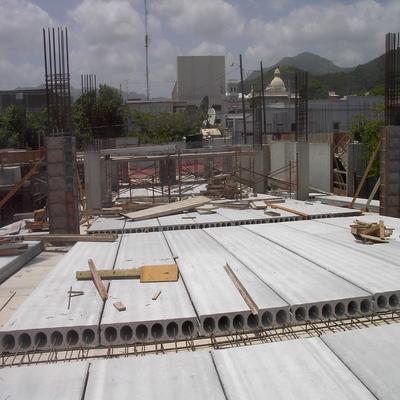 Taxonomy - Precast concrete floor without reinforced concrete