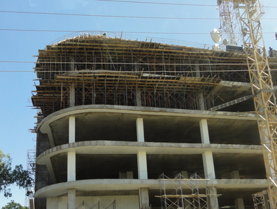 A reinforced concrete building with flat slabs under construction, Kenya (K. Jaiswal)