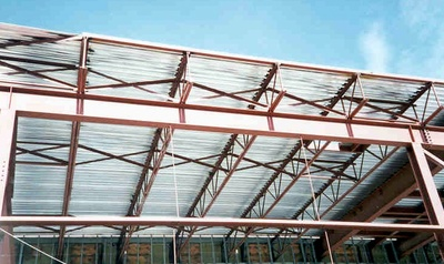 steel trusses open web steel joists supporting corrugated steel roofing 1 canada - Metal Roof Trusses